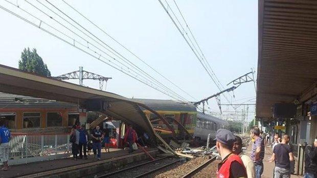 Treinramp bij Parijs: passagiers geëlektrocuteerd