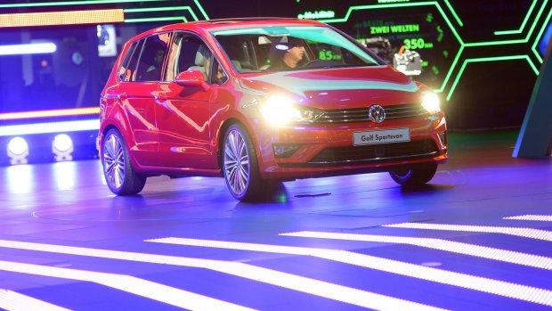 VW zet 6,5 miljard opzij om fraude; koers keldert weer 20 procent