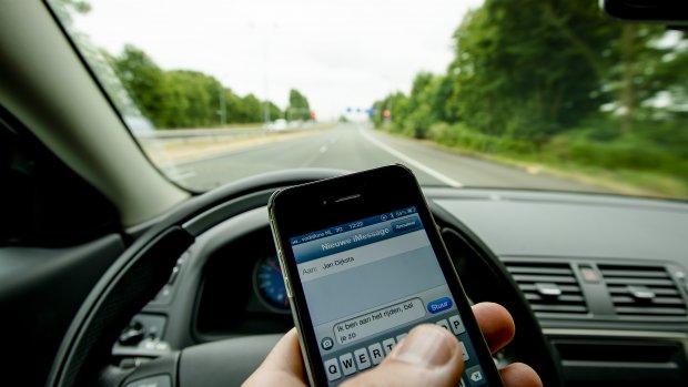 Campagne tegen whatsappen achter stuur