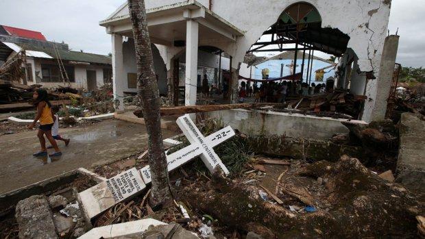 Meer dan 6000 Filipijnse doden door tyfoon