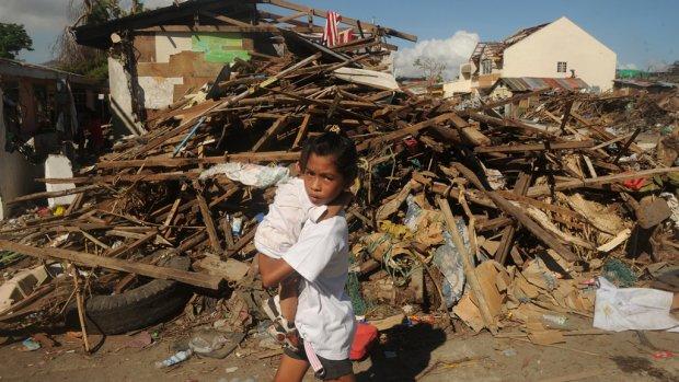 Tyfoon Filipijnen: nog twee Nederlanders vermist