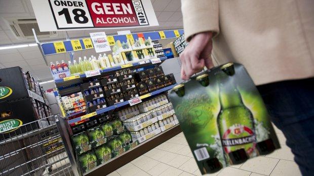 'Jongeren kopen drank ondanks nieuw verbod'