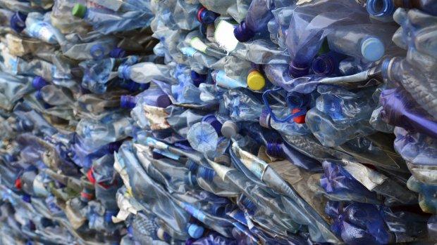 Zelflerende computer bedenkt nieuwe plasticsoorten
