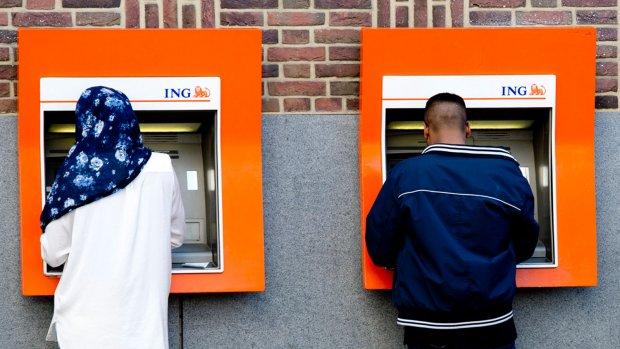 Minder geldautomaten, maar overal maximaal pinnen