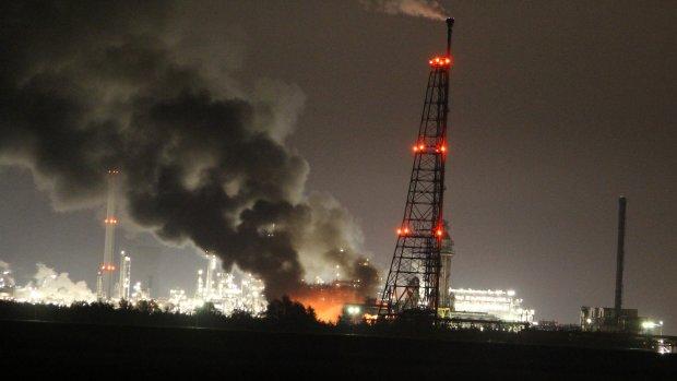 Shell: explosie Moerdijk kwam door overdruk