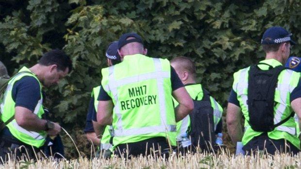 Zoektocht hervat: Oekraïners vinden koffers op rampplek MH17