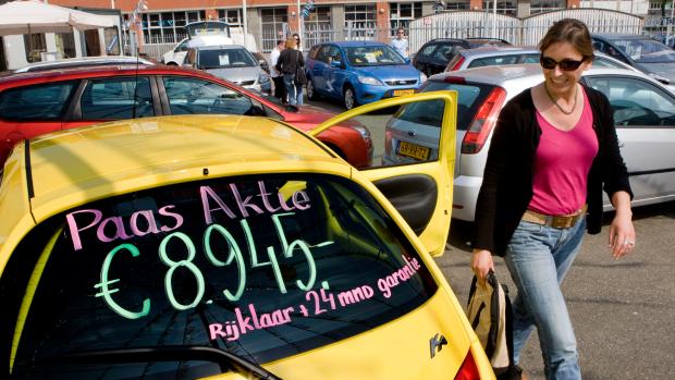 Consumentenbond: stop met apart vermelden rijklaarmaakkosten auto