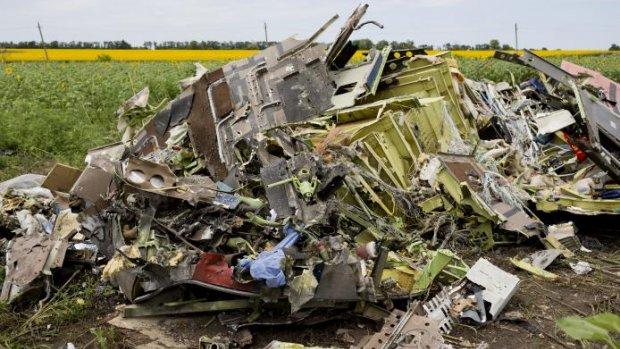 Op de rampplek van MH17: 'Er ligt nog een werkend horloge'