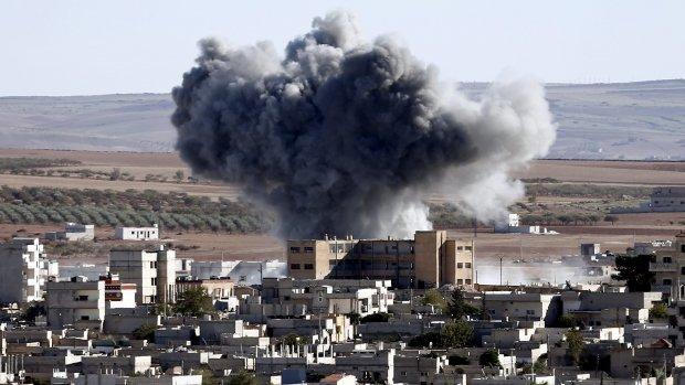 Twaalf luchtaanvallen op IS in Syrië en Irak