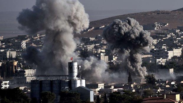 553 doden bij luchtaanvallen IS
