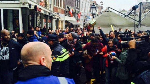 Zestig aanhoudingen bij intocht Sinterklaas in Gouda
