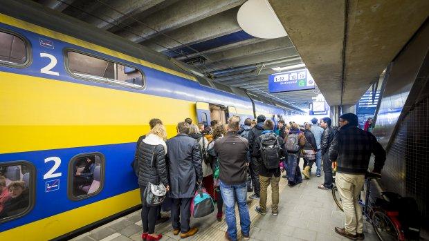 Proppen en afzien: over deze 100 volle treinen werd het meest geklaagd in 2015
