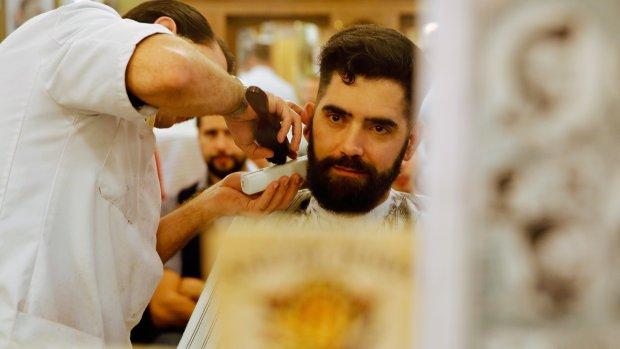Lage btw naar 21 procent: kapper en bios duurder?