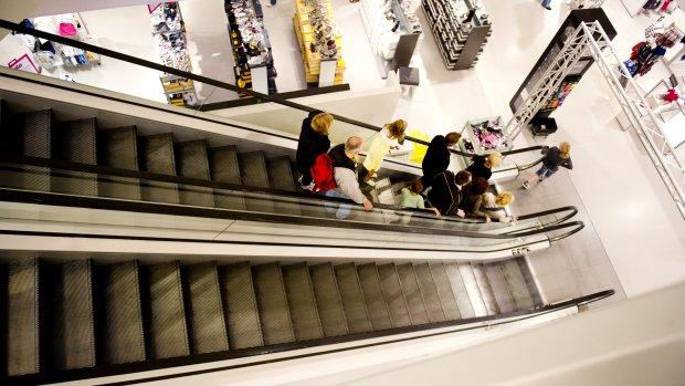 Winkels V&D blijven open; webwinkel sluit