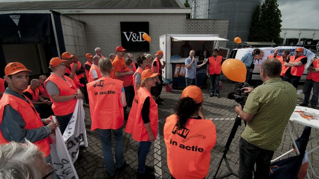 'Woedend V&D-personeel massaal naar rechter'