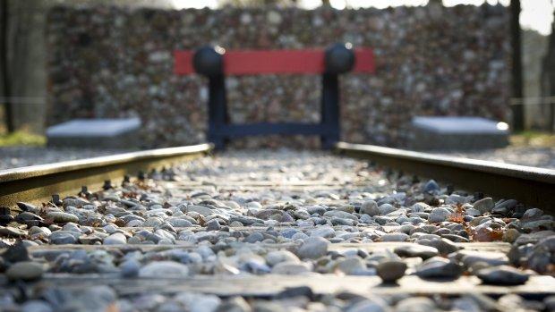 'NS verdiende 2,5 miljoen aan jodentransporten'