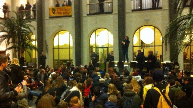 Studenten vallen Maagdenhuis binnen