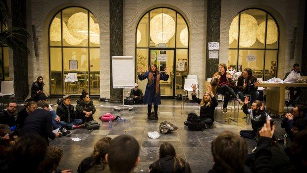 Protest en bezettingen: hoe boze studenten al twee weken de UvA tarten