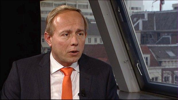 Van der Staaij: Structureel meer geld voor defensie