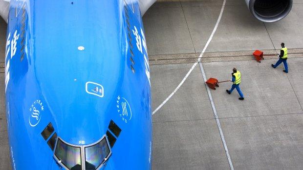 Nederlanders vliegen graag ver maar compenseren vervuiling niet