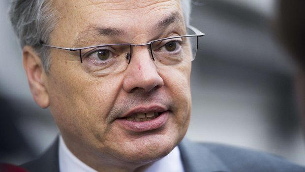 'Zwartgeschminkte Belgische minister moet weg'
