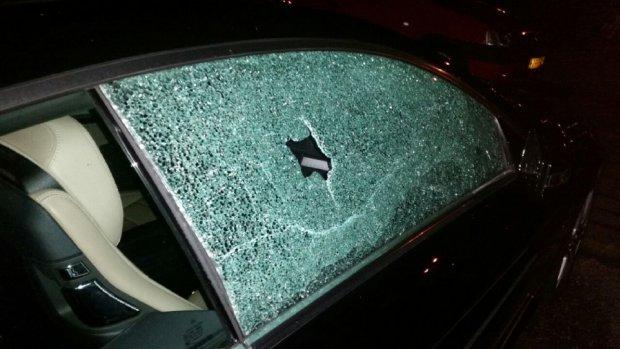Storm beschadigt bijna 100 auto's op Schiphol