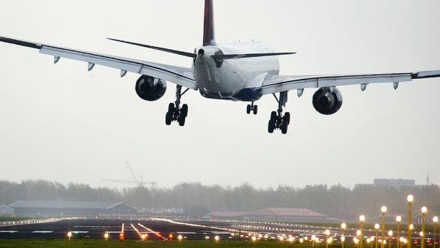 Harde wind: vluchten geannuleerd op Schiphol