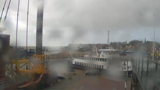 Live beelden stormachtig Nederland