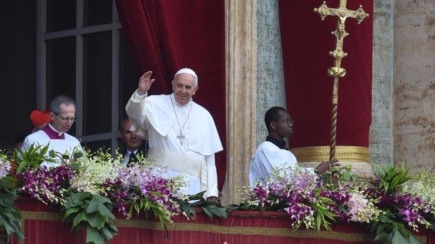 Paus spreekt Urbi et orbi uit