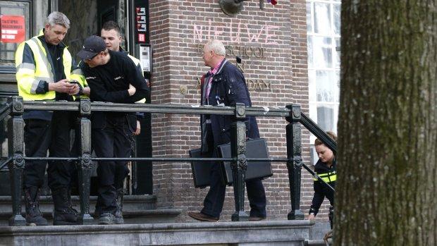 Politie neemt vingerafdrukken in Maagdenhuis