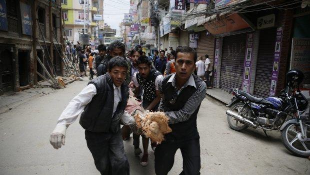 Foto's: Kathmandu in puin na aardbeving