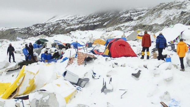 Video: bergbeklimmers gered van Mount Everest
