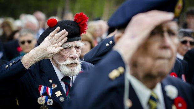 Foto's: Nederland staat stil bij oorlogsslachtoffers