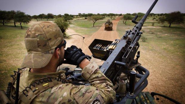 Militair Mali gewond na ongecontroleerd schot