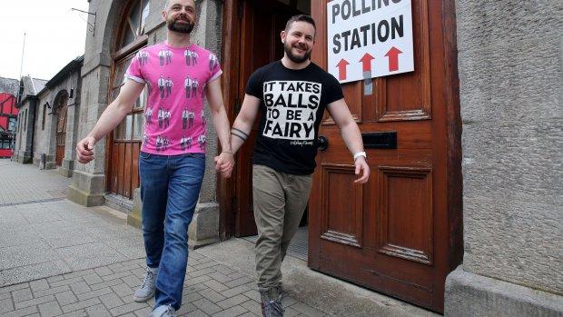'Ierland stemt voor homohuwelijk'