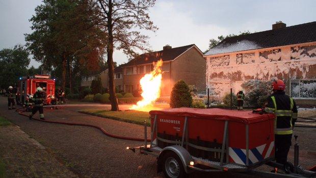 Gasleiding in brand door blikseminslag