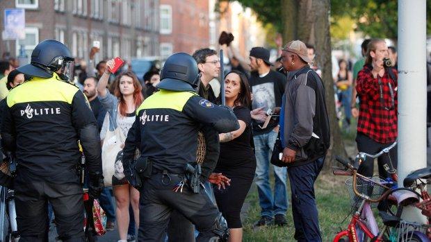 Wanneer mag de politie geweld gebruiken? Vijf vragen