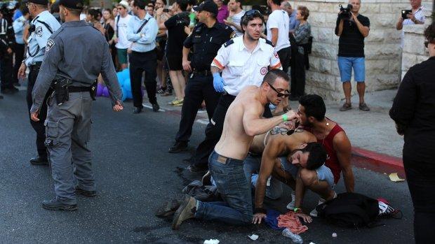 Aanslag Gay Pride Israël in beeld