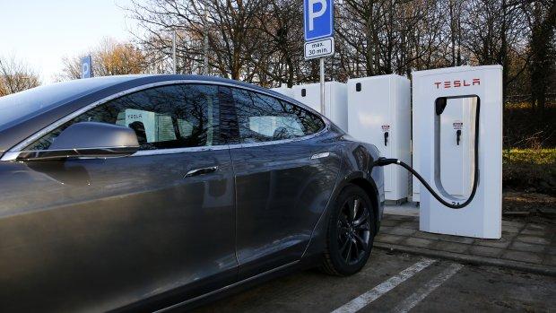 Tesla S en populaire hybrides fors duurder door bijtelling