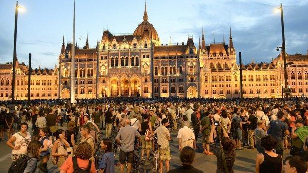 Protesten in Hongarije tegen vluchtelingenbeleid