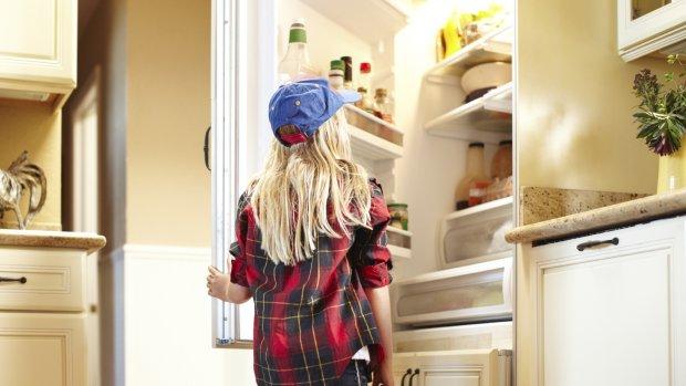 Gesjoemel met labels wasmachine en koelkast