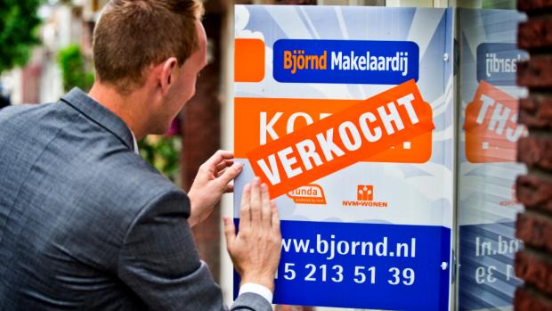 Starters in het nauw: minister onderzoekt effect beleggers op woningmarkt