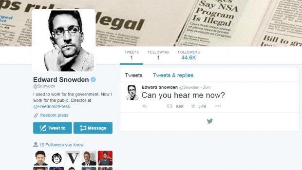 Klokkenluider Edward Snowden meldt zich op Twitter