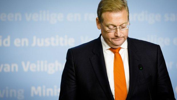 Van der Steur betreurt 'inschattingsfouten' rond foto Van der G.