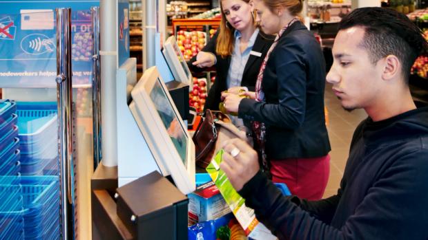 Albert Heijn opent eerste zelfscanwinkel