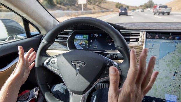 'Zelfrijdende auto's versnellen verkeer met 35 procent'
