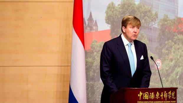 Koning spreekt over mensenrechten in zaal vol Chinese bestuurders