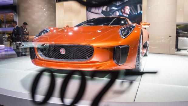 Over twee jaar kun je in de elektrische James Bond-SUV rijden
