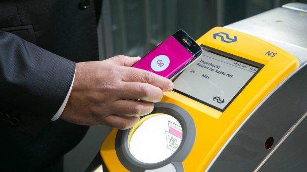 OV-inchecken met mobieltje nu in heel Nederland mogelijk
