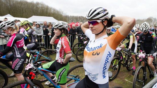 Rabobank stopt met sponsoring paardensport en wielrennen